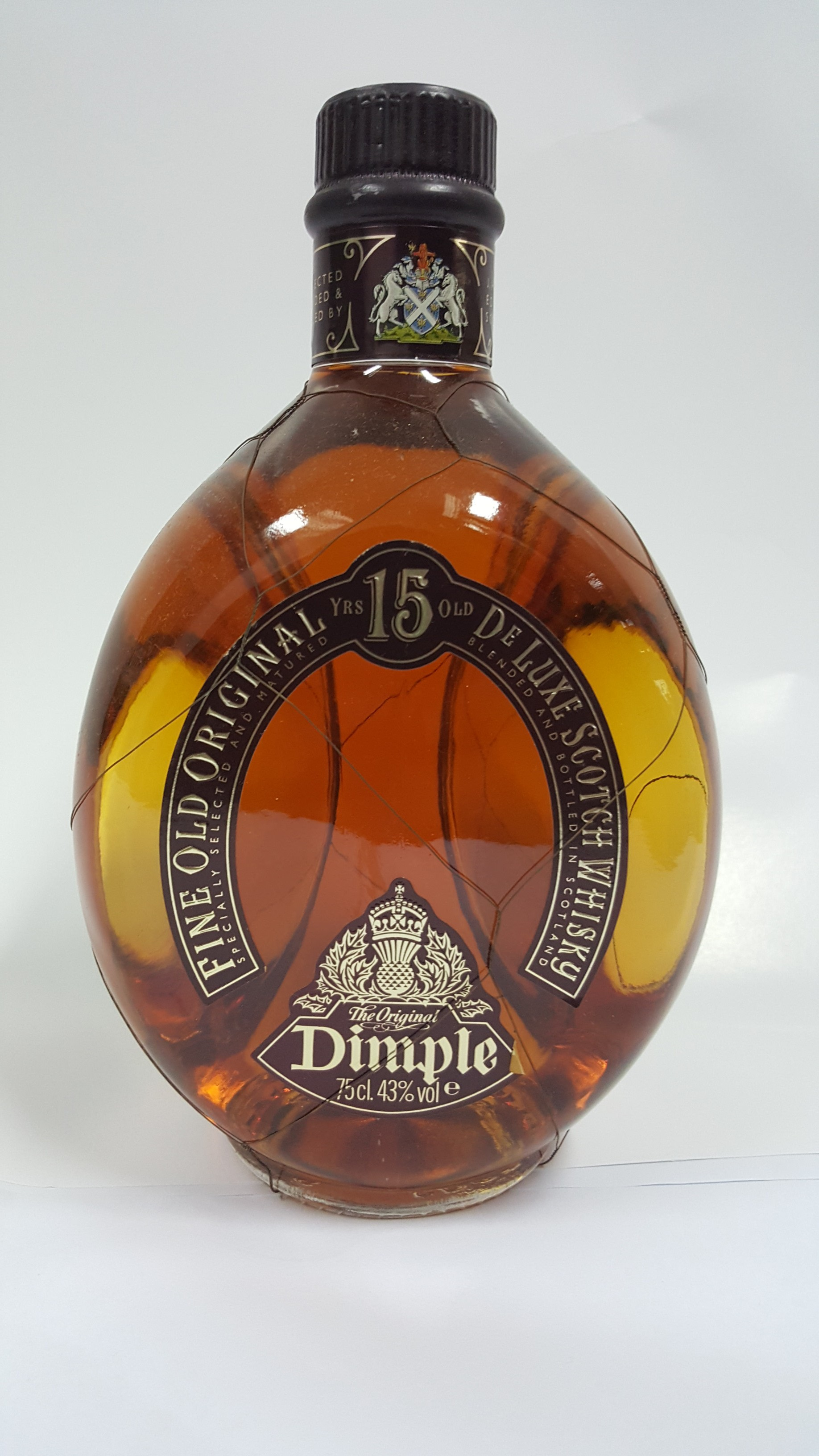 Buy Dimple Pinch Red Ceramic Decanter 15 Year Old Online: AM Trading & Agencies